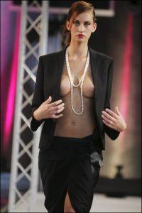 09/01/2005. Fashion Show Roissy airport organised by Agatha Ruiz De la Prada.
