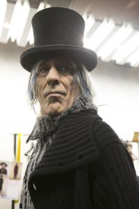 yohji-yamamoto-mens-backstage-autumn-fall-winter-2014-pfw8