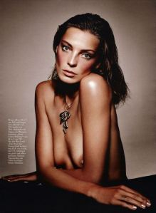 daria-werbowy-by-mark-abrahams-for-harper_s-bazaar-germany-september-2013-2
