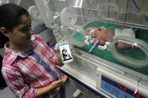 140703-gaza-baby-incubator