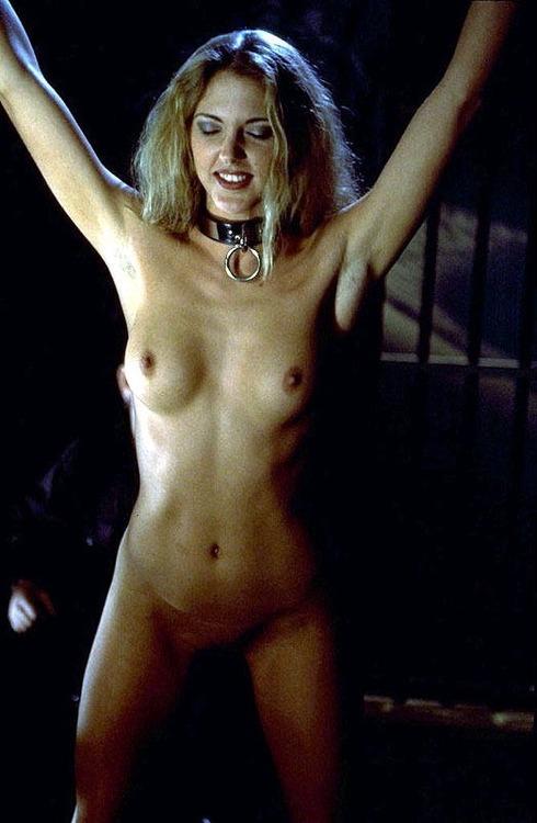 nackte und gefesselte Frauen
