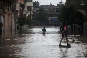 141204-gaza-flooding